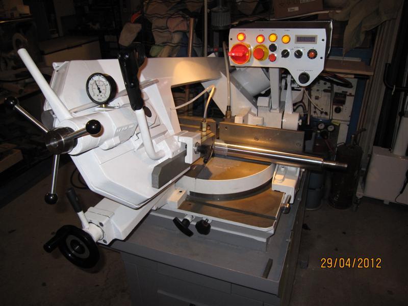 Presse hydraulique d'atelier motorisée Img_2917