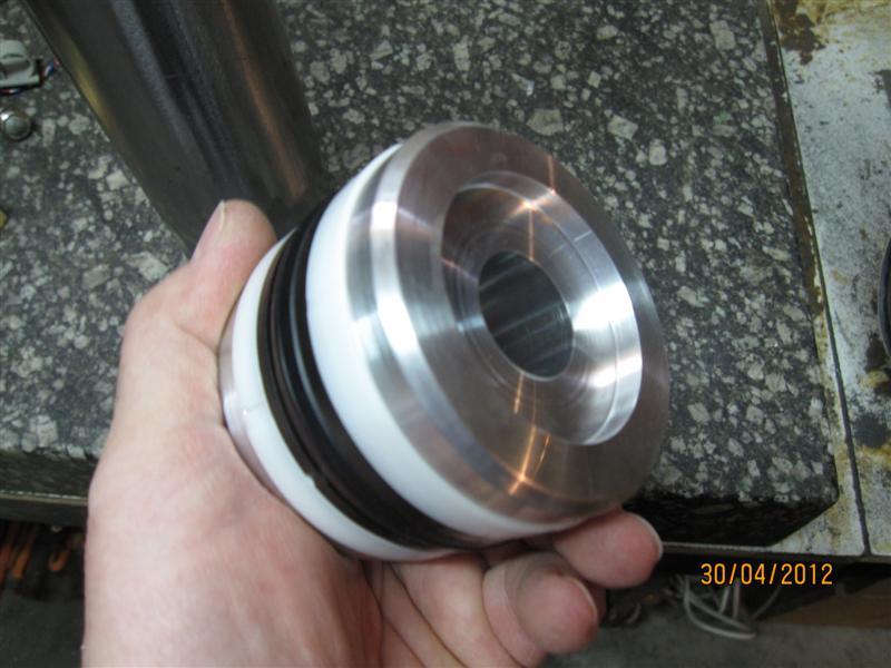 Presse hydraulique d'atelier motorisée Img_2926