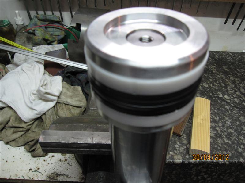 Presse hydraulique d'atelier motorisée Img_2928