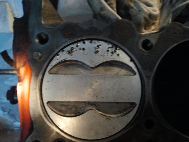 Can these pistons be salvaged? Piston10