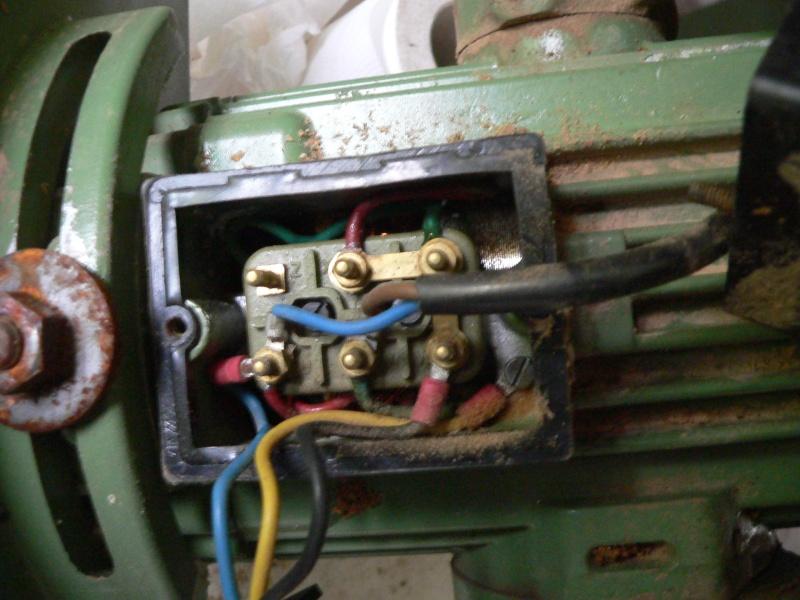 Quel moteur sur ma scie radiale ? P1010432