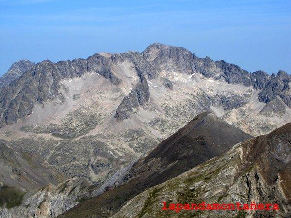20120809 - PIRINEOS - GARMO NEGRO (3.051 m) A2111