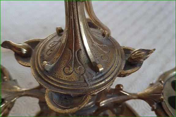 Pied de lampe bronze: objet à identifier 0e12