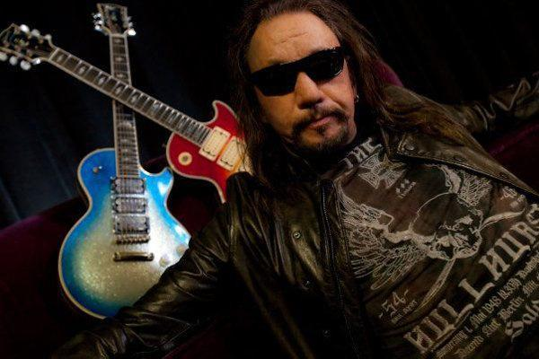 Ace Frehley News ! - Page 21 Acebir10