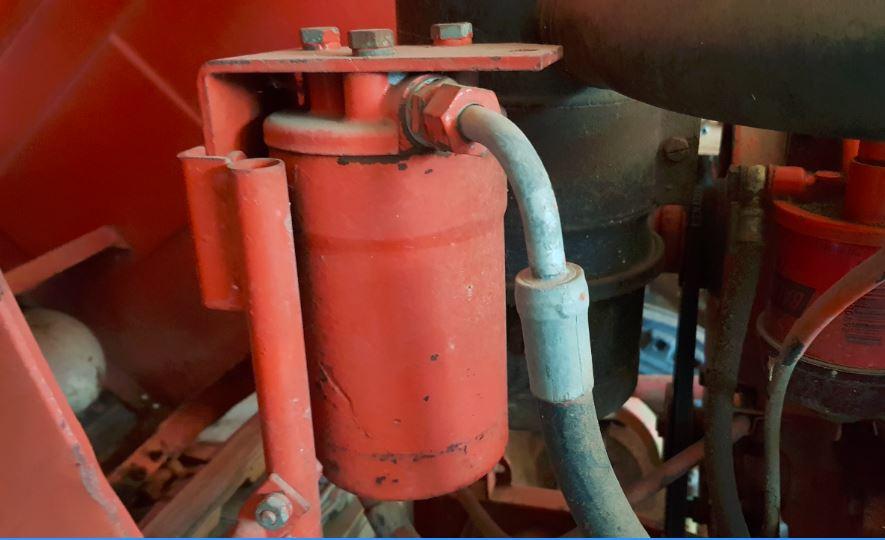 Changement de la cartouche filtrante huile hydraulique 461 Captur13
