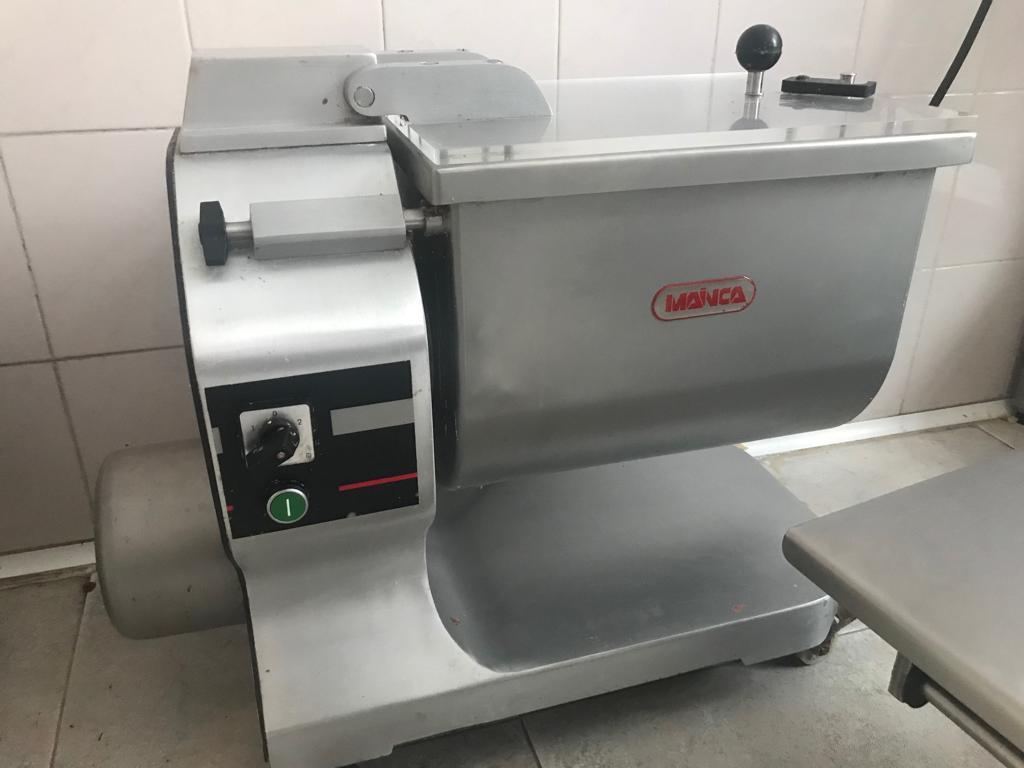 Amasadora Mainca (15 kg)  Img-2044