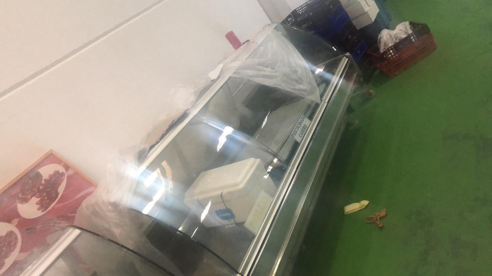 Se venden 2 vitrinas  Img-2063
