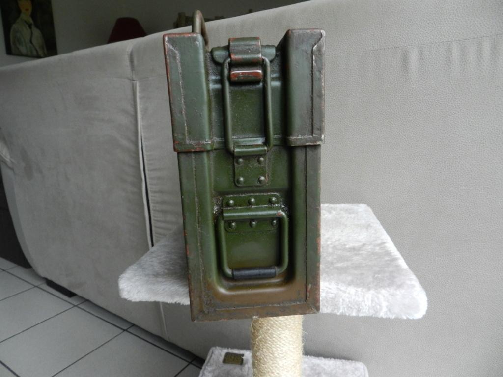 mes caisses allemandes ww2  (métal) - Page 3 Dscn0621