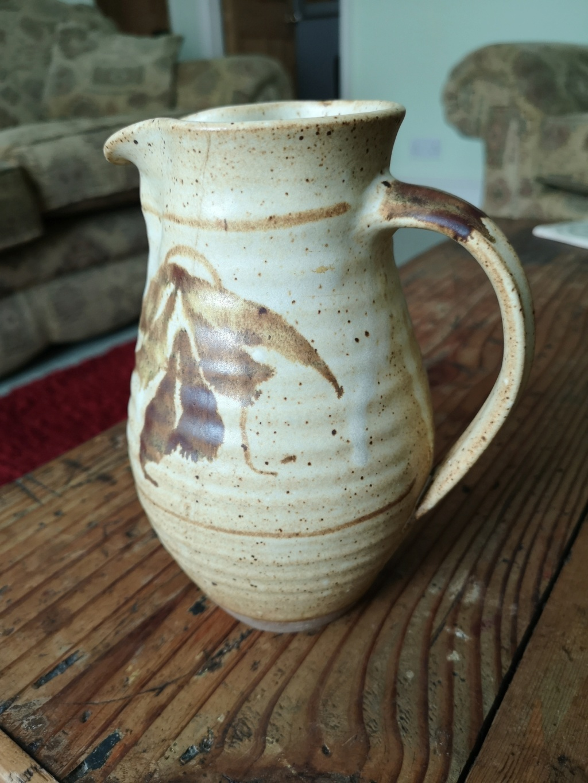 Jug Identification - Le Dieu Pottery, Norwich  Img_2045