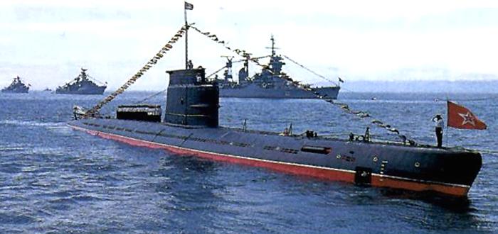 Sous-marin Soviétique Classe ZULU (project 611) 1/350 0310