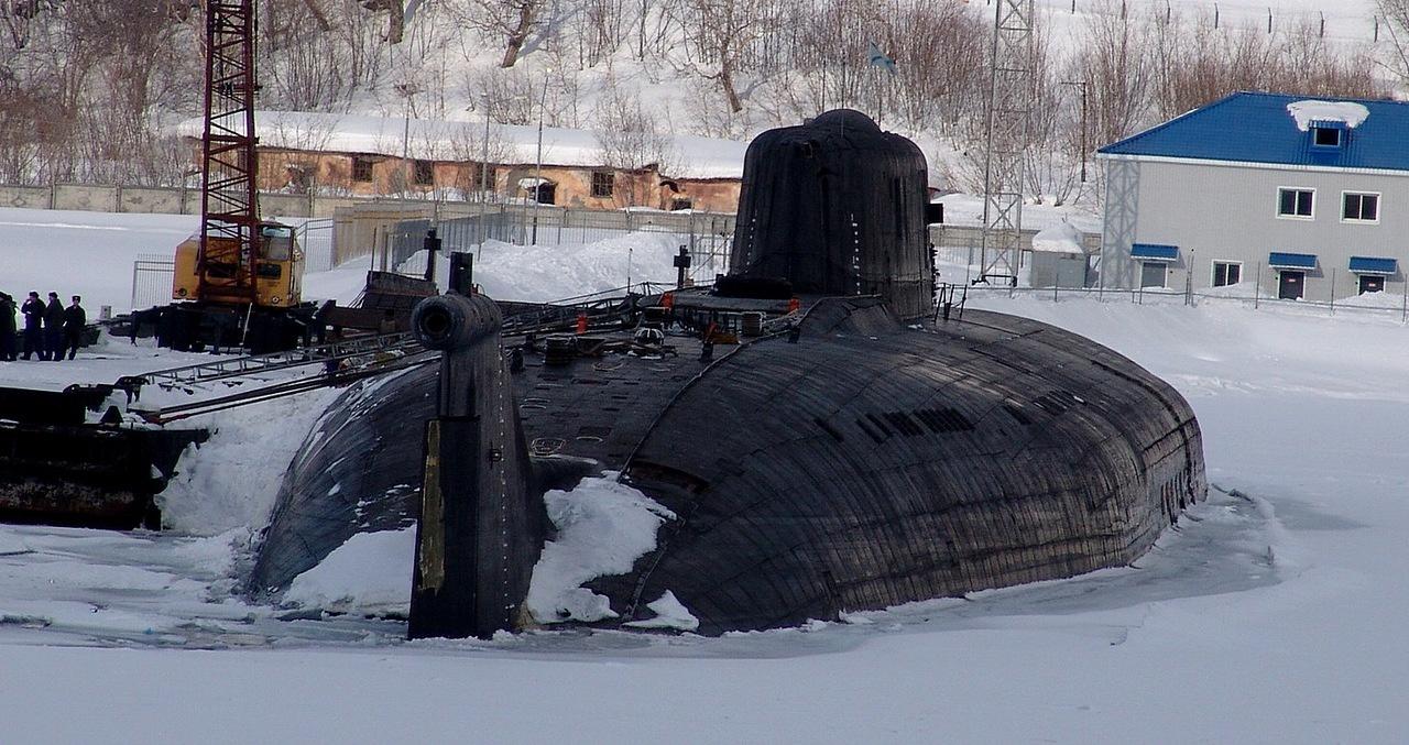 """Montage Sous-marin Classe OSCAR II  """"KURSK"""" 1/350 Bpfe0t10"""