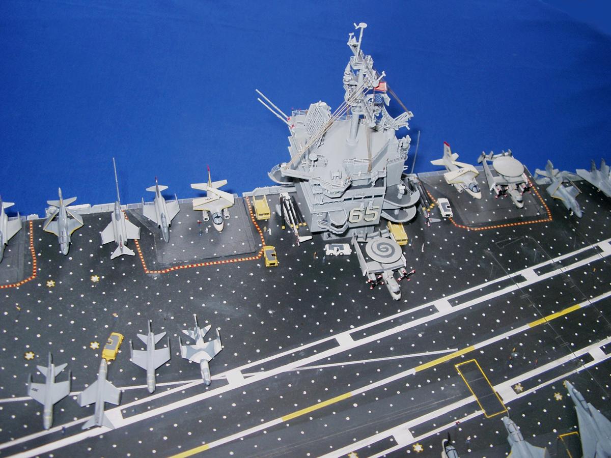 USS ENTERPRISE 1/350 UPGRADED! Enterp18