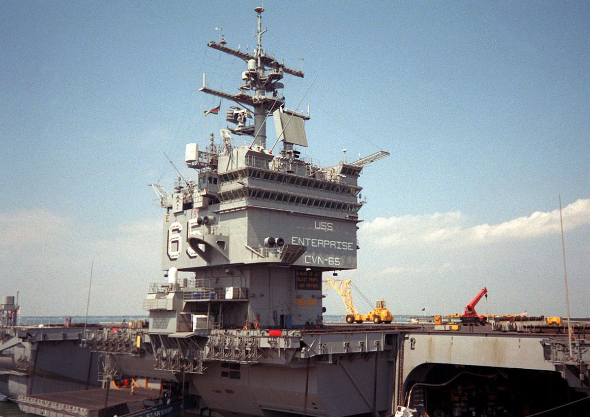 USS ENTERPRISE 1/350 UPGRADED! - Page 2 Enterp29