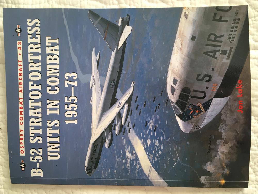 Vd livre sur le B-52 Img_2318