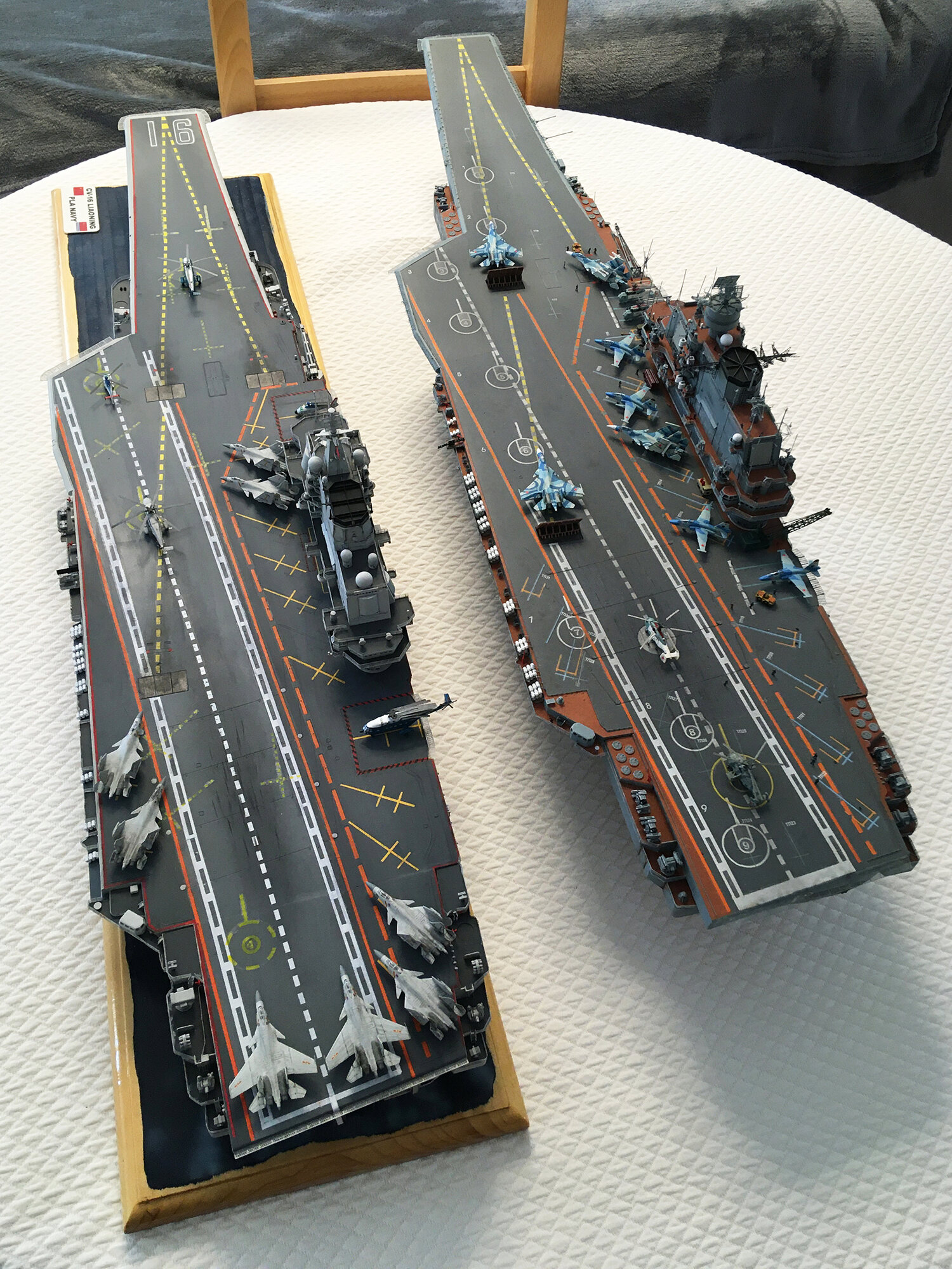 Admiral KUZNETSOV 1/350 UPGRADED! - Page 2 Img_4112