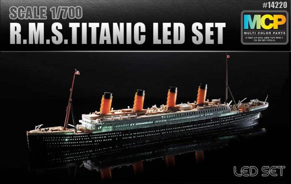 RMS Titanic, lequel choisir ?  J7lun710