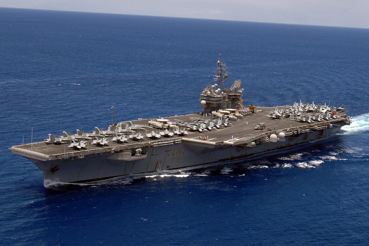 Supercarrier USS Kitty Hawk (CV-63) - Trumpeter - 1/350 Kitty_10