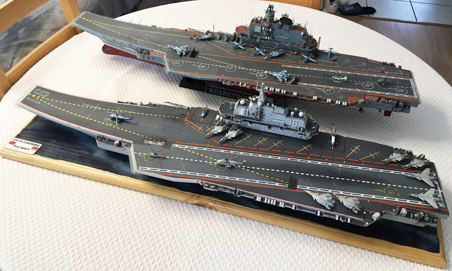 Porte-avions LIAONING 1/350 - Page 7 Liaon197