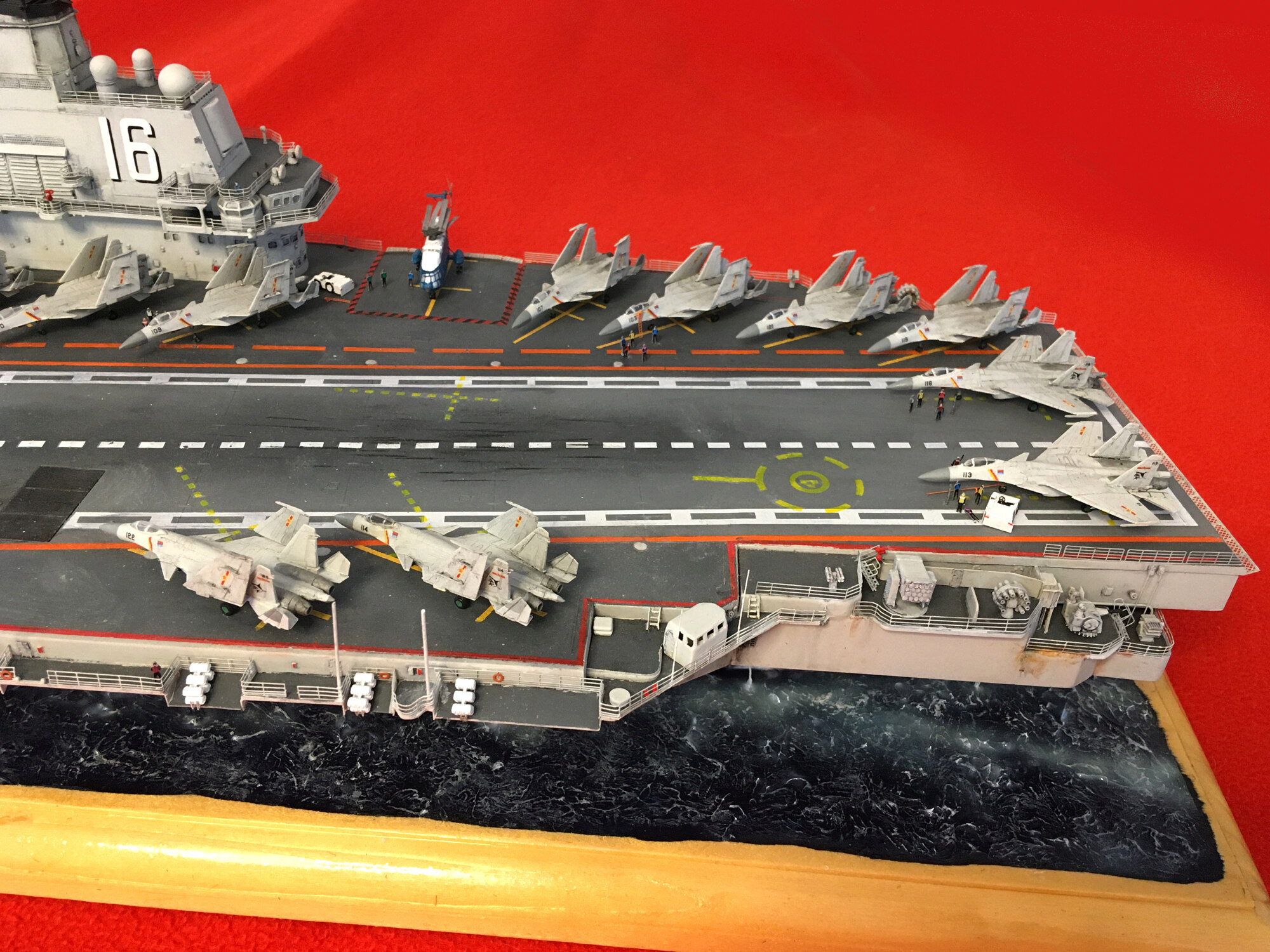 Porte-avions LIAONING CV-16 (PLA Navy) Liaon209