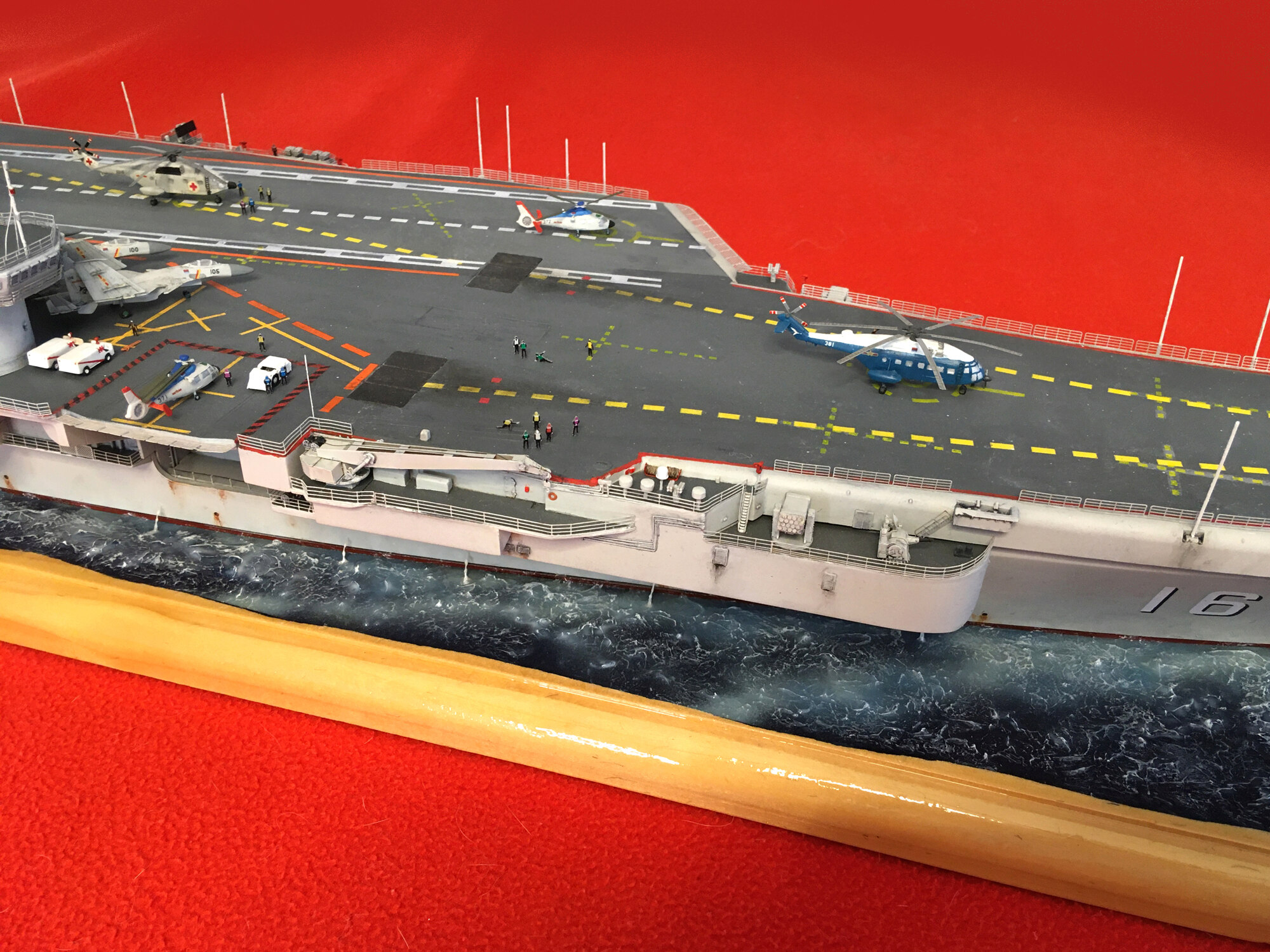 Porte-avions LIAONING CV-16 (PLA Navy) Liaon220