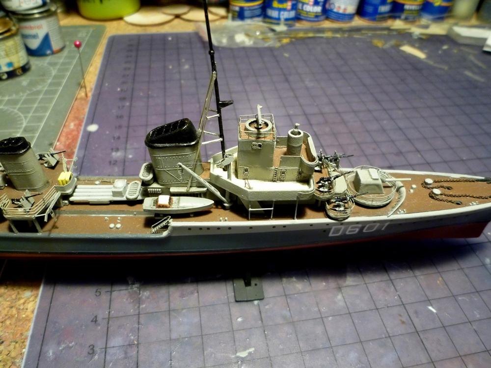 Montage du Contre-torpilleur Marceau 1/400  - Page 3 Marcea12