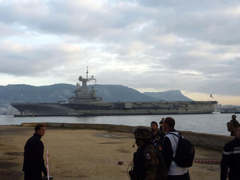 Questions sur le Charles de Gaulle après refonte P1110614