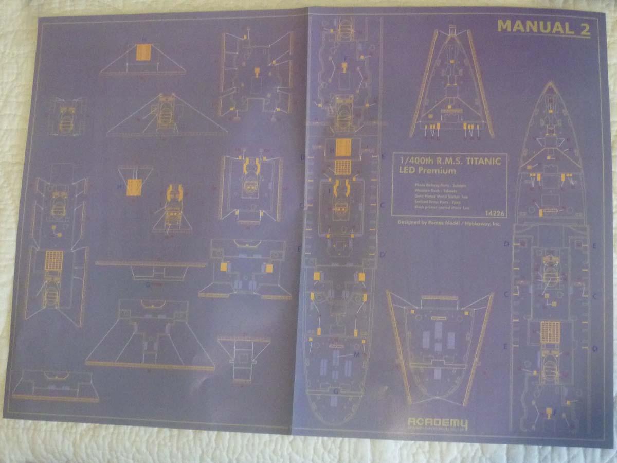 R.M.S TITANIC PRENIUM EDITION with LED ACADEMY 1/400 P1120712