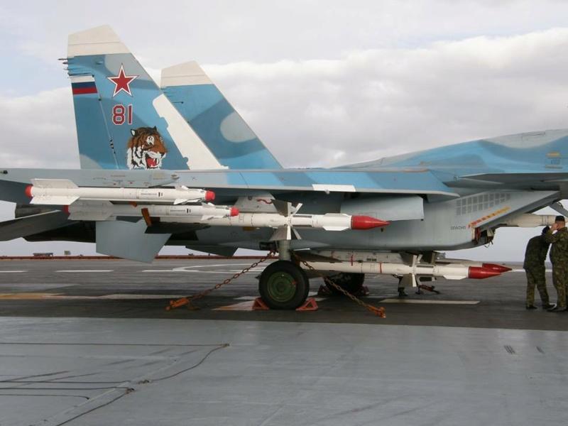 "Admiral KUZNETSOV ""UPGRADED"" 1/350 Su33_810"
