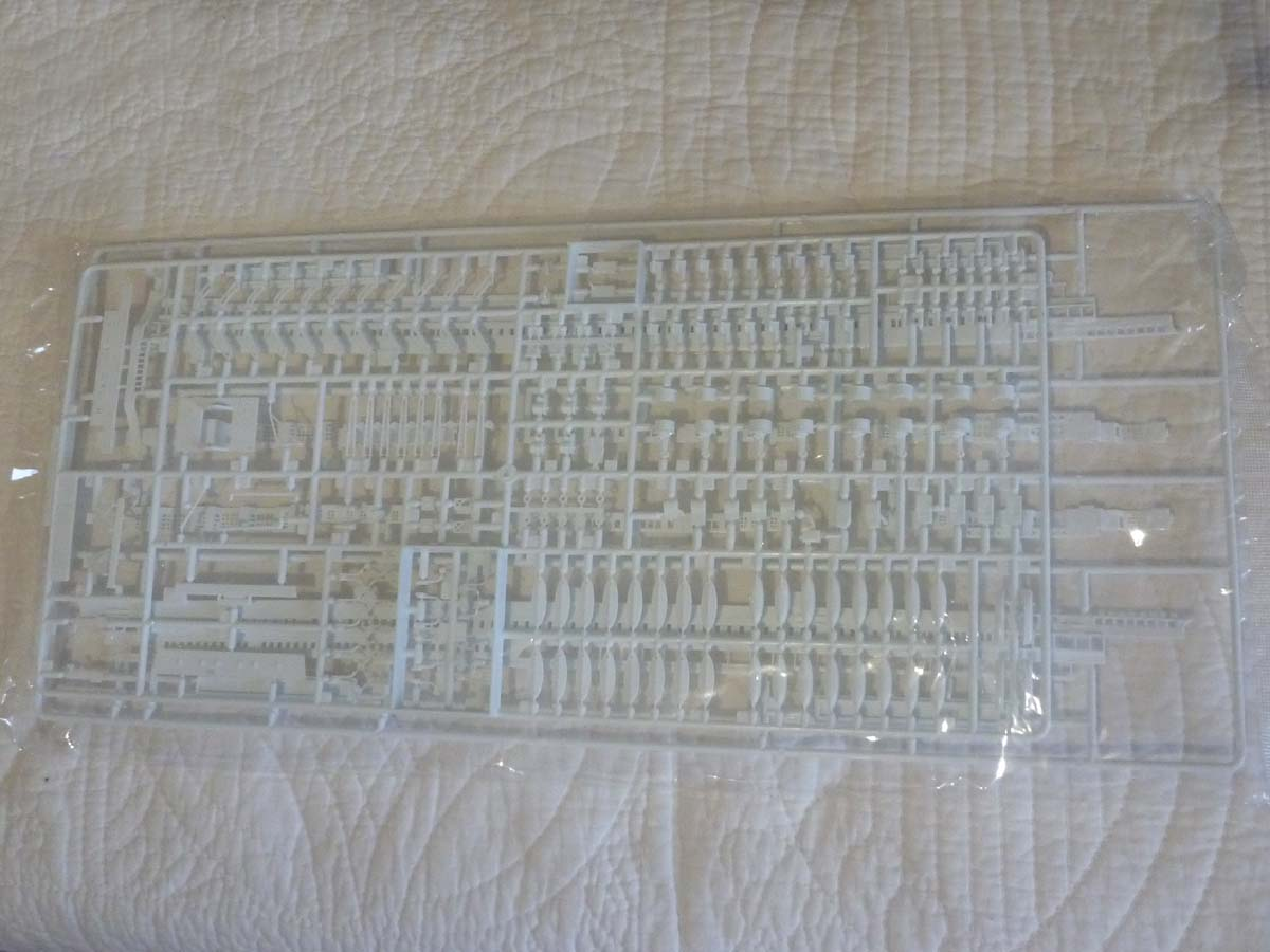 R.M.S TITANIC PRENIUM EDITION with LED ACADEMY 1/400 Titani23