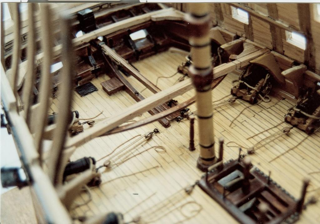 HMS Victory (1765) Artesania Latina 1/84 - Page 3 Deuxiz11