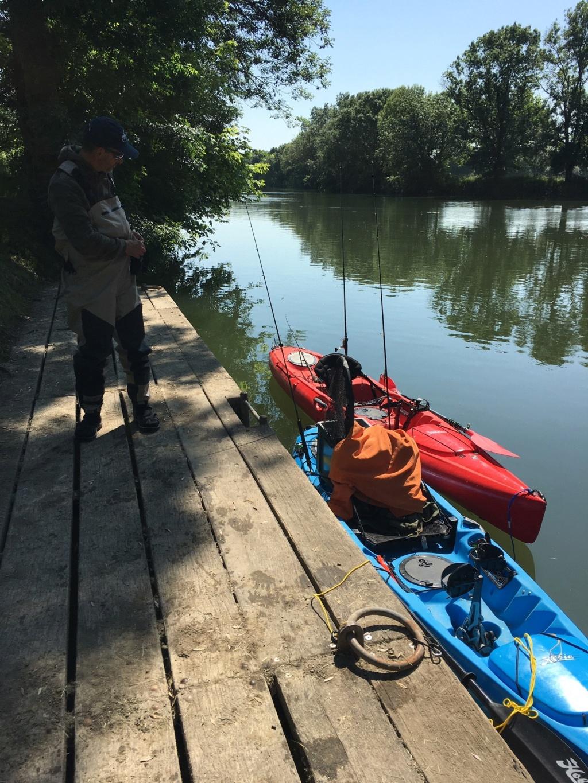 CRs peche en kayak ... en eau douce ;-)  Char_e13