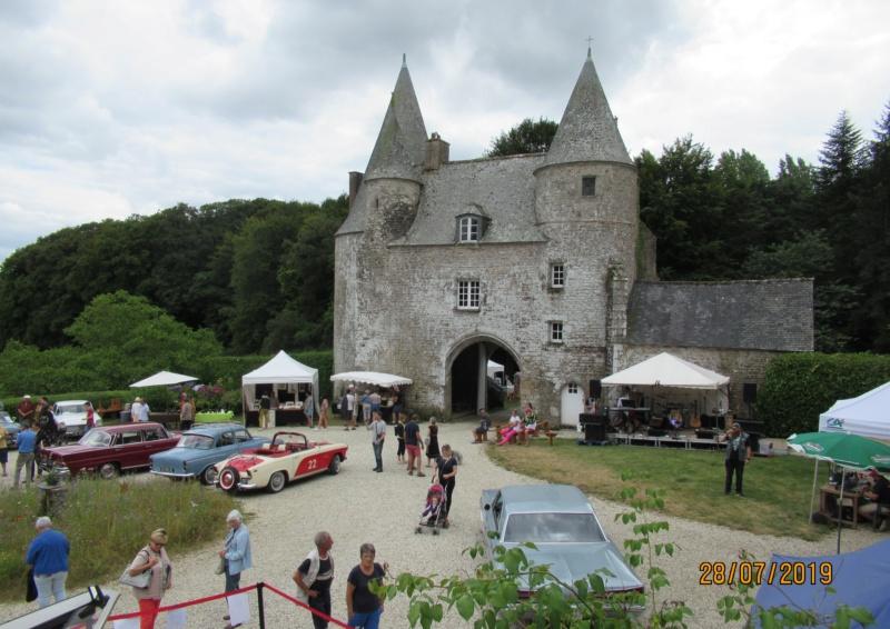 """Exposition """"Vintage"""" au Château de la NOE SECHE Dimanc12"""