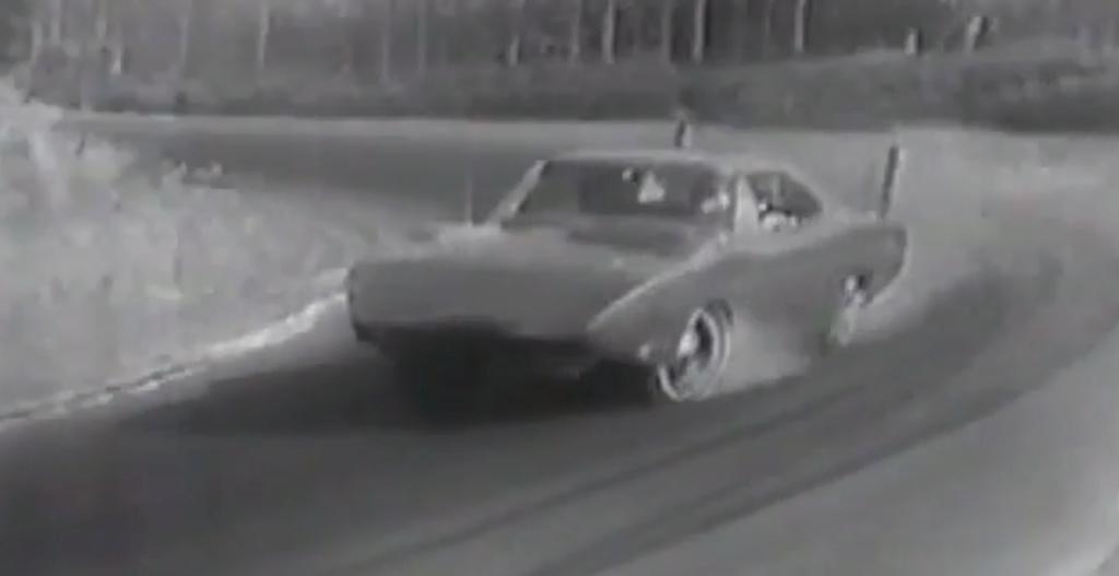 ESSAI DE LA CHARGER DAYTONA HEMI 1969 PAR JACQUES DUVAL Sans_t10