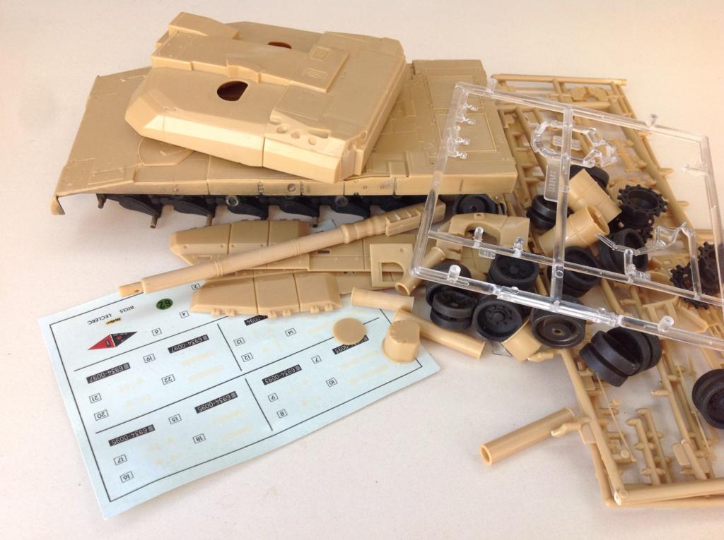 Char AMX 56 LECLERC SERIE 1 Presque sortie de boite ... Réf 81135 Img_5210