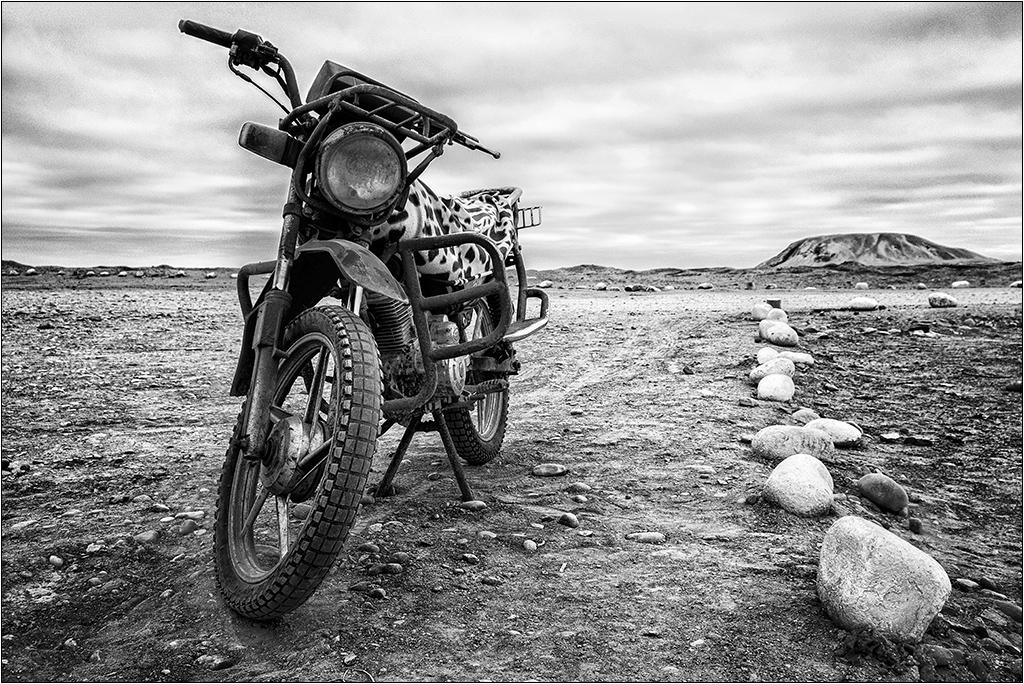 [Urbex Engins et véhicules] La moto ... Dscf5315