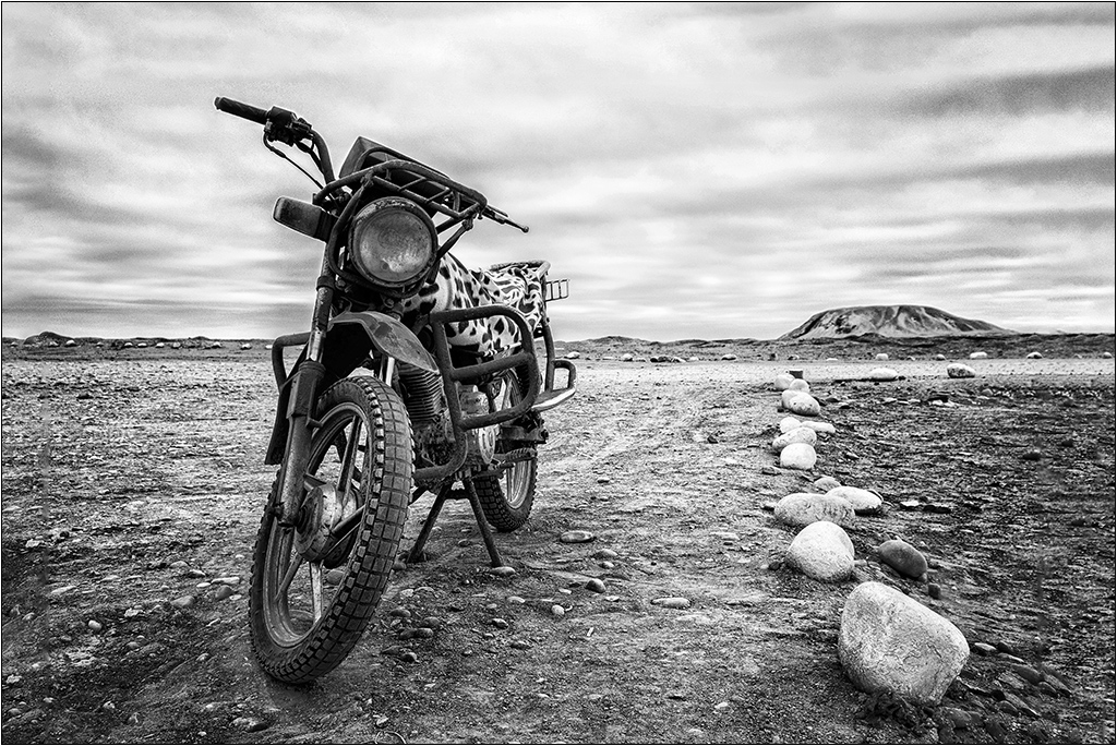 [Urbex Engins et véhicules] La moto ... Dscf5316
