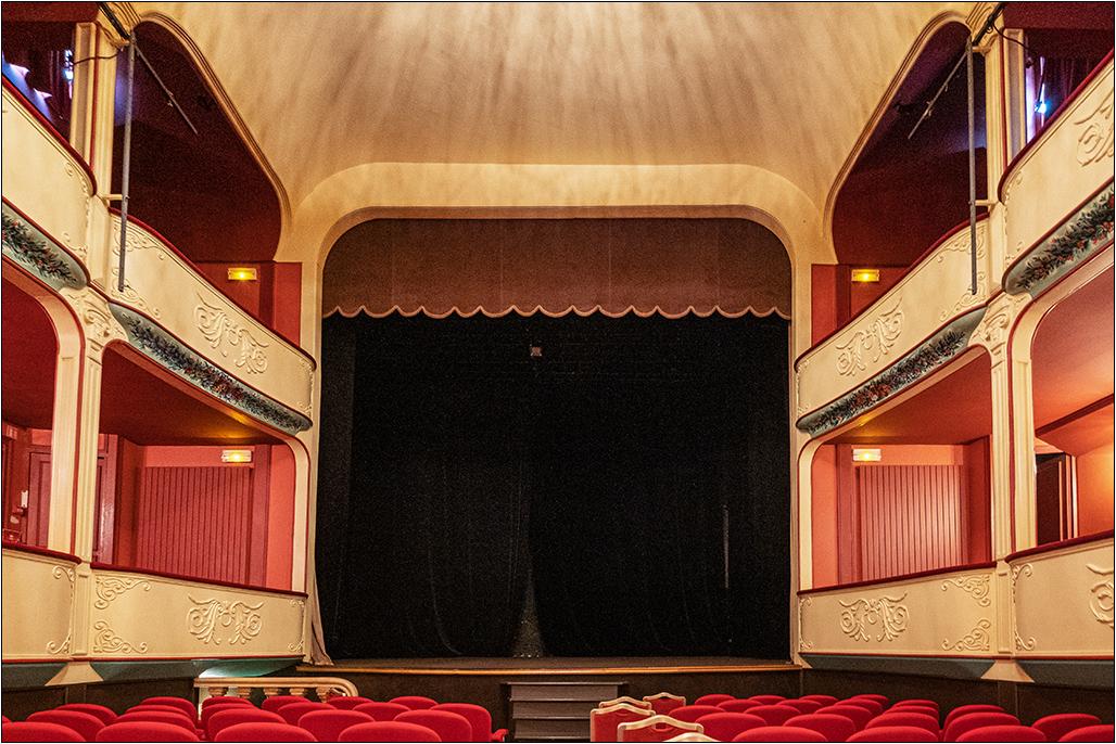 [Architecture_et_Graphisme] Théâtre de Jonzac Dscf8226