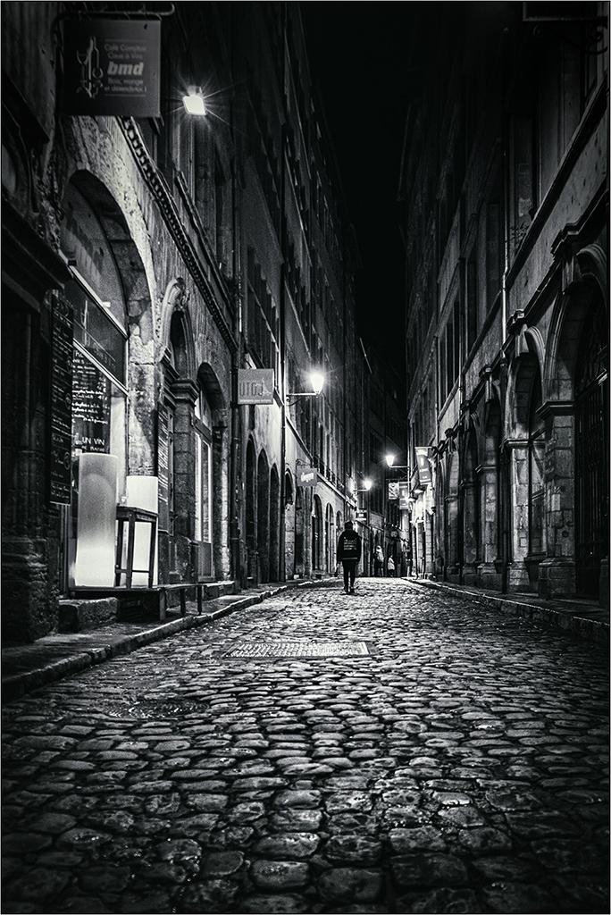 [Noir_et_Blanc] Lyon by night + ajout Dscf9214