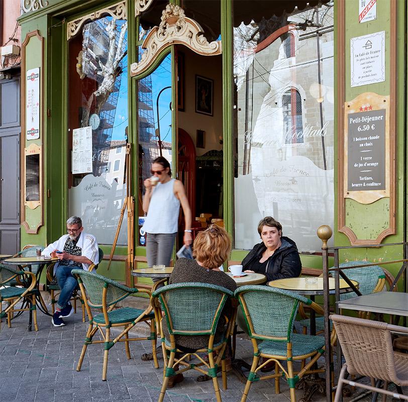 [Instants_de_vie_et_rue] L'Isle-sur-la-Sorgue, tu veux ma photo ? P1070110