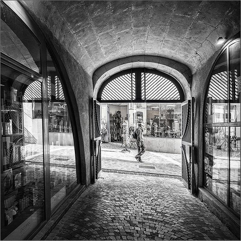 [Noir_et_Blanc] Le passant + V2 + V3 Pa193218