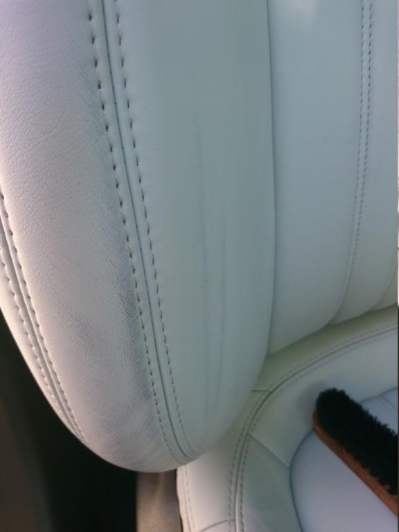 Trasferimento colore su sedili in pelle grigio ghiaccio: non se ne vuole andare Dsc_1711