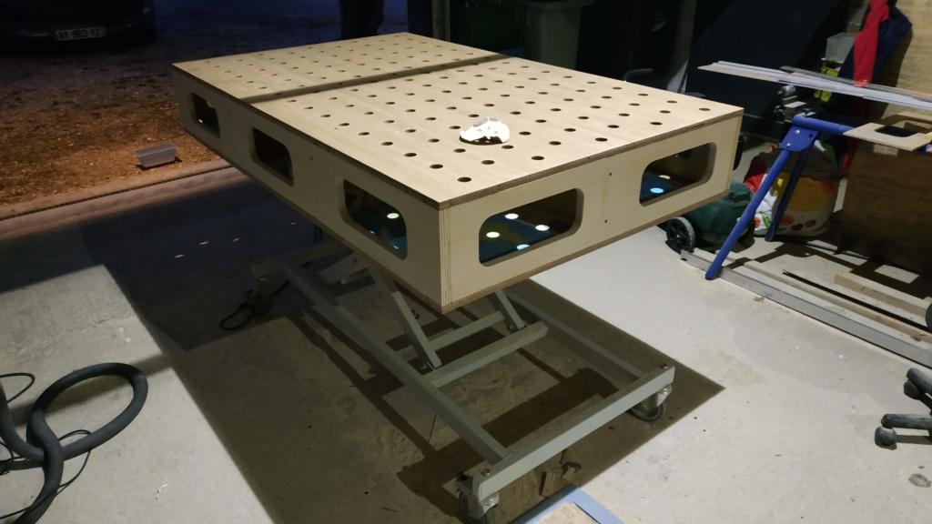 un établi mobile sur base d'un lit médicalisé et d'autres récups Img_2018