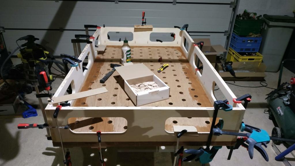 un établi mobile sur base d'un lit médicalisé et d'autres récups Img_2020