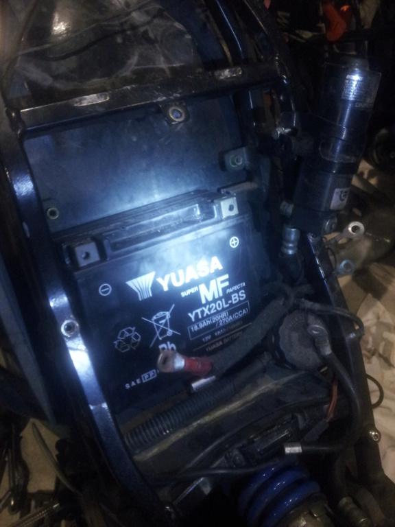 [XB/R] Montage Batterie YTX20 (celles des TUB +puissante) 3a10