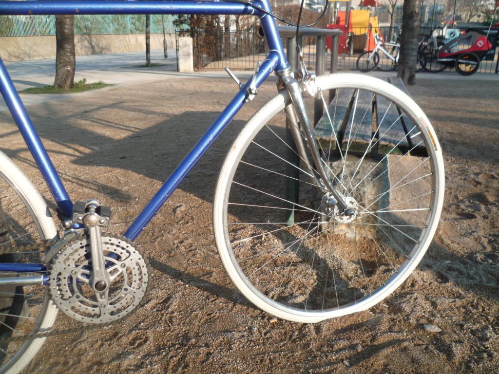 Montage pour la ville, on va essayer de faire un beau vélo pour une fois! - Page 5 P1090616