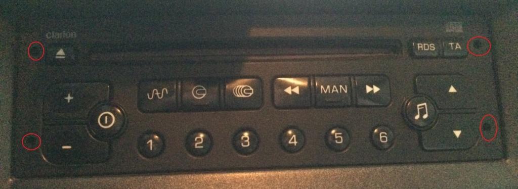 Changement de l'autoradio d'origine File-211