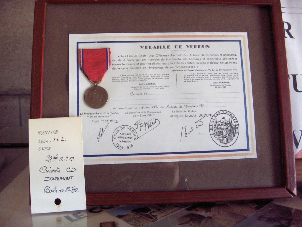 Lot insignes et médaille à authentifier/ identifier (all, fr) Hpim3114