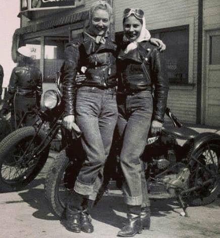 Vieilles photos (pour ceux qui aiment les anciennes photos de bikers ou autre......) - Page 14 A8151910