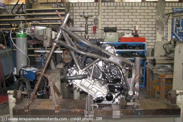 BMW 1600 GT revus en version GS Cadre-10
