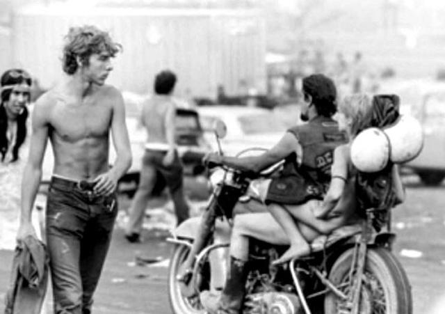Vieilles photos (pour ceux qui aiment les anciennes photos de bikers ou autre......) - Page 13 Vl4b5v10